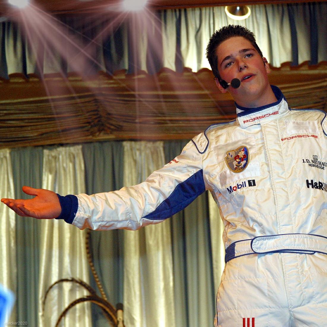 Christian Georg auf der Bühne bei Grau-Blau im Jahre 2003